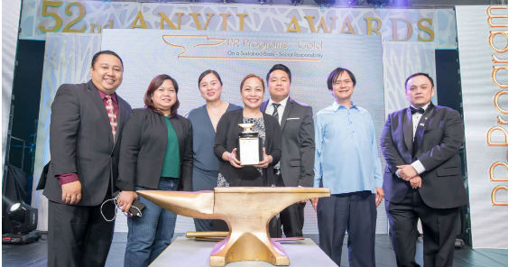 pldt_gabay_guro_was_lauded_for_its_2016_campaign_563.jpg