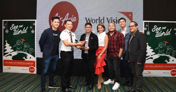 airasia_and_world_vision_officials.jpg